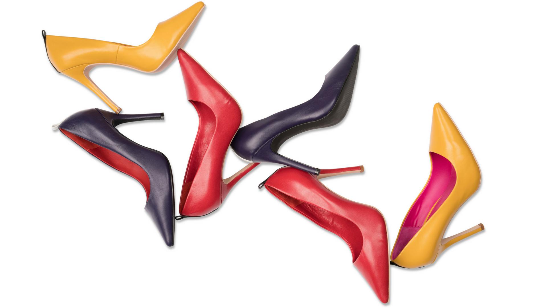 Shoenvious-موقع-تصميم-الأحذية-كعبات