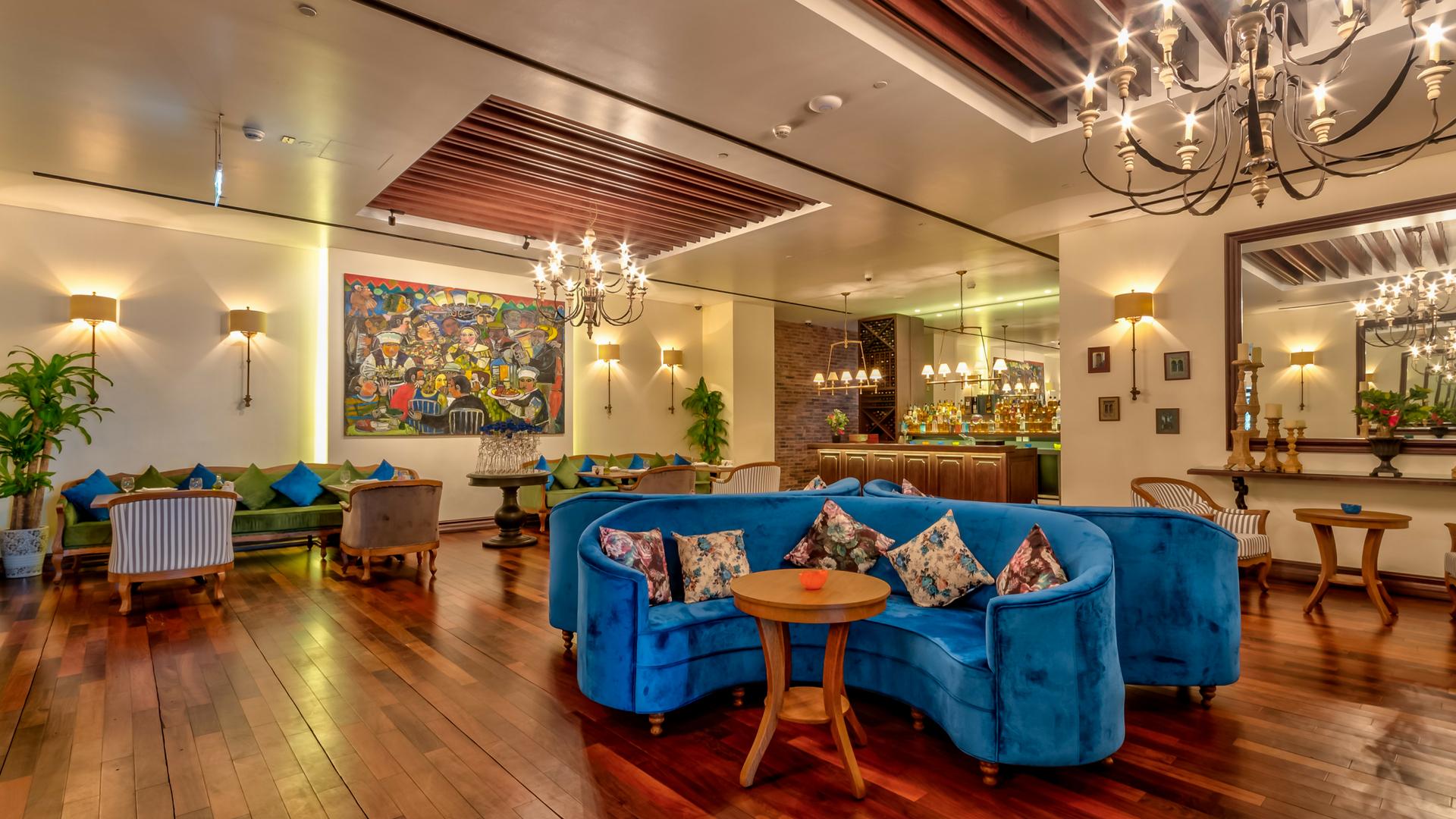 جانب-من-مطعم-المياس-بفندق-سوفيتل-داون-تاون