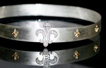 شاهدي أغلى حزام في العالم المصنوع من الذهب والألماس
