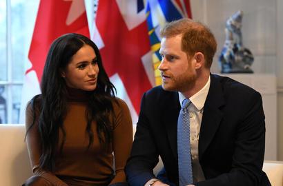 المواجهة الأولى بين ميغان ماركل وزوجها الأمير هاري مع العائلة المالكة