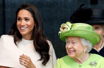 الملكة البريطانية تصدر بياناً عن مصير ميغان وهاري