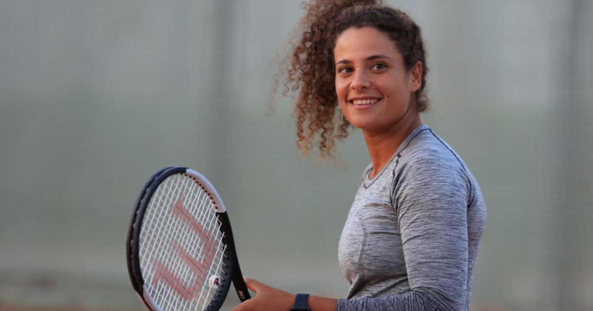 """تعرفوا على ميار شريف """"فتاة التنس الذهبية"""" أول لاعبة تنس مصريّة تتأهل للأولمبياد"""