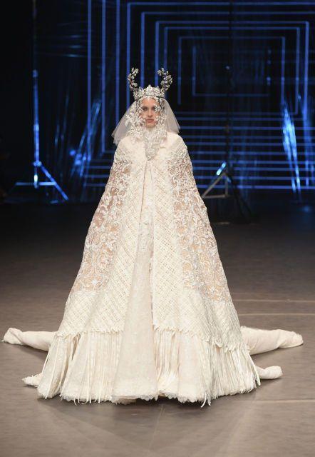 فاشون فورورد دبي 2016: أفضل الإطلالات التي زيّنت منصة عرض الأزياء