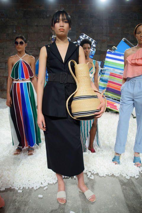 مجموعة أزياءRosie Assoulinلموسم ربيع وصيف 2017: أفضل الإطلالات