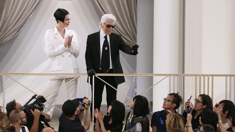 "Karl Lagerfeld ""المصوّر"" يتحدّث عن Kendall، Kim، وKanye.."