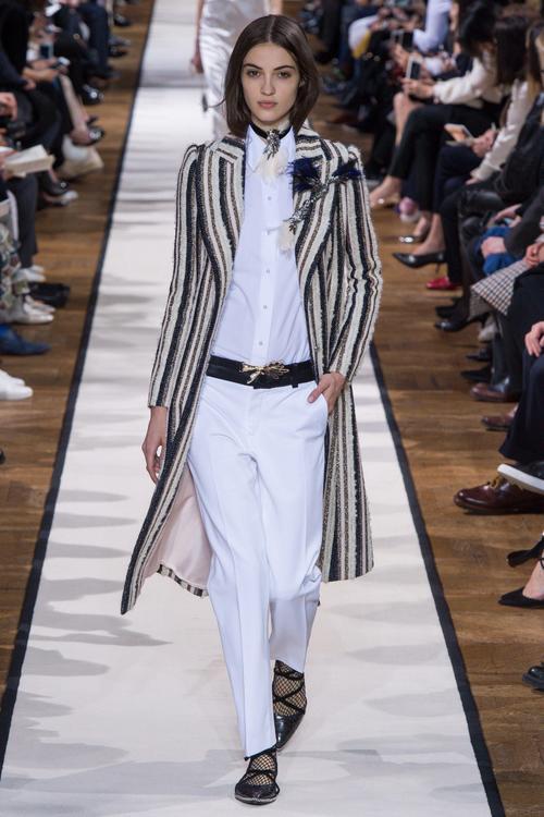 اكتشفي مجموعة Lanvin الجديدة لخريف وشتاء 2017 للملابس الجاهزة