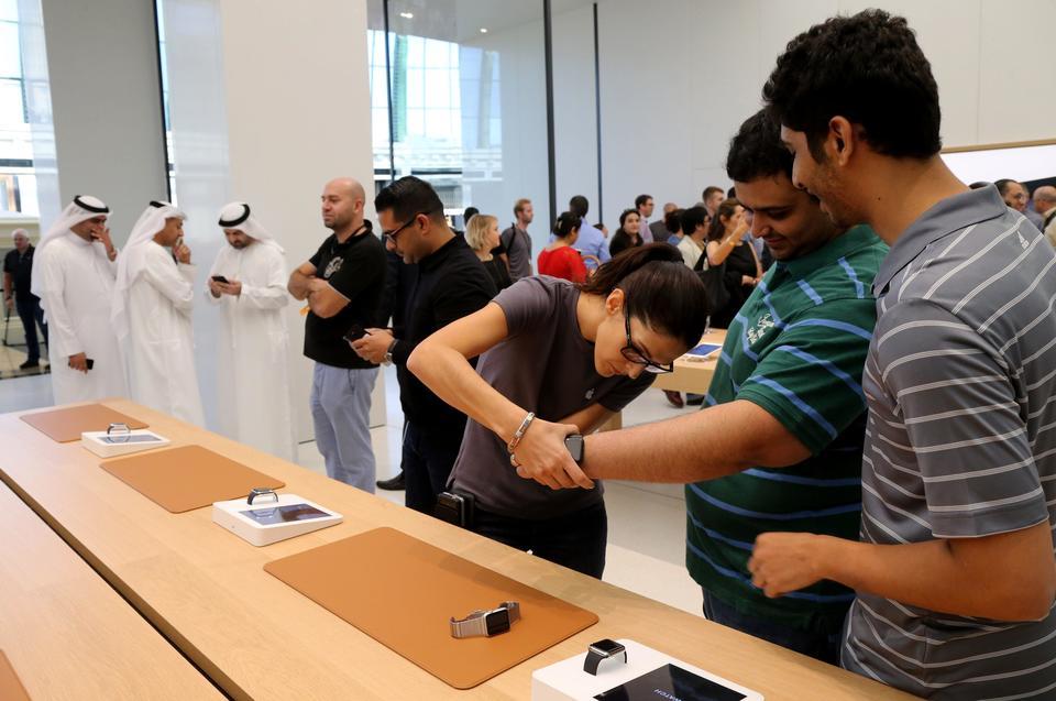 Apple تعلن عن افتتاح متجرها الجديد في دبي مول
