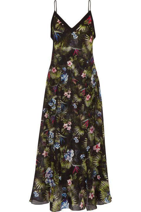 17 فستاناً لإطلالة صيفية أنيقة بامتياز..