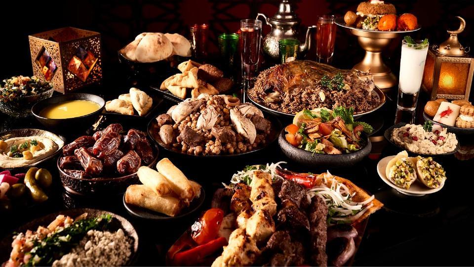 إفطار وسحور بنكهة لبنانية في مطعم النافورة