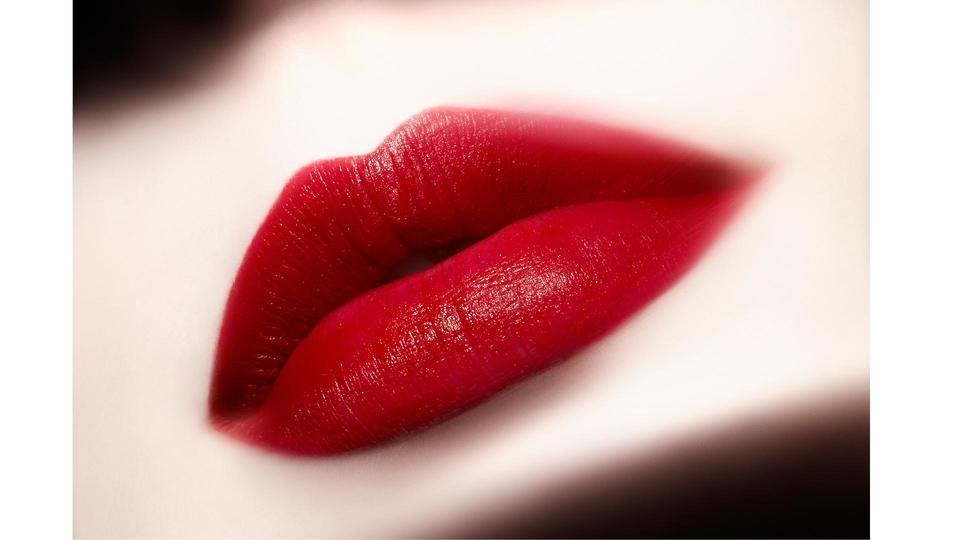 أحمر شفاه LIP MAESTRO NOTORIOUS من Giorgio Armani