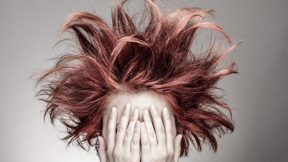 احمي شعرك في فصل الصيف واحصلي على مظهراً لامعاً