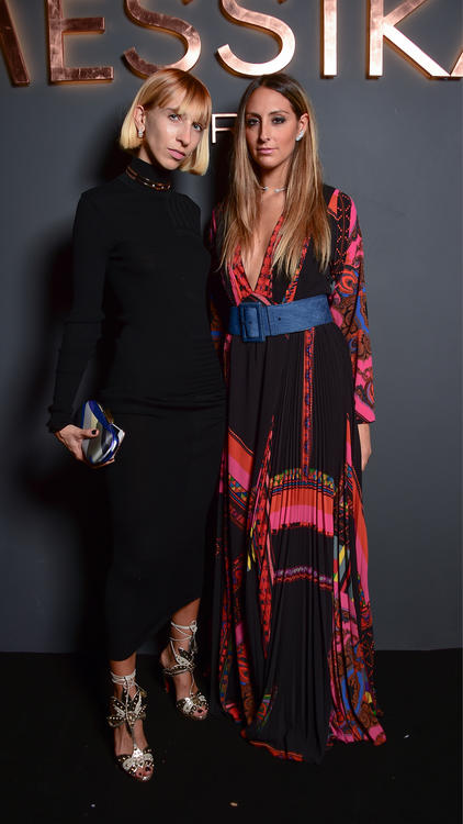 ميسيكا وجيجي حديد احتفلتا بالذكرى العاشرة على إطلاق مجموعة Move خلال أسبوع الموضة في باريس
