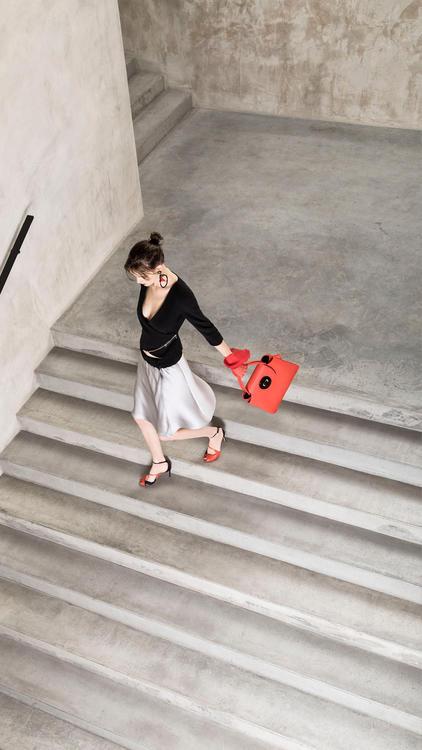 """تشكيلة """"كروز"""" النسائية الجديدة من """"جورجو ارماني"""" لموسم ربيع وصيف 2018"""