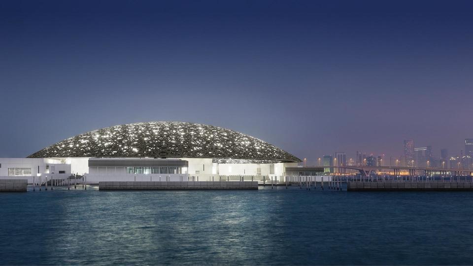 افتتاح متحف اللوفر في أبوظبي
