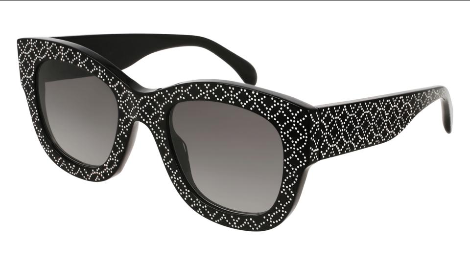 دار علايا تطرح نظارات الشمسية لأول مرة
