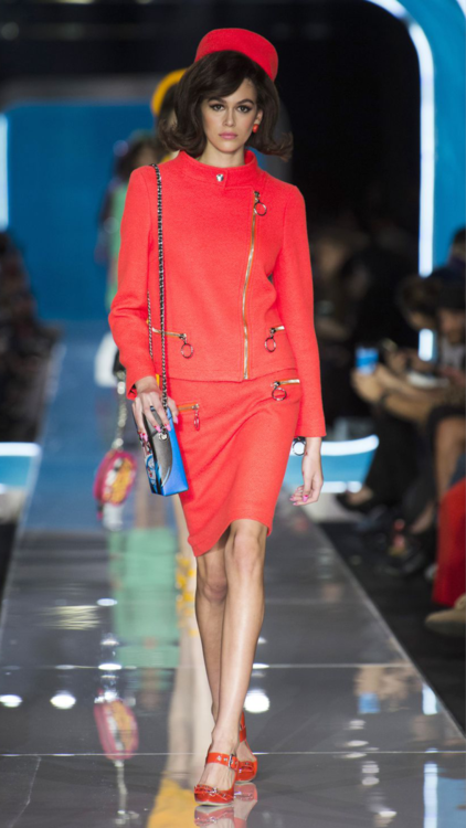 أجمل الإطلالات التي اخترناها لك من عروض أزياء أسبوع ميلانو للموضة