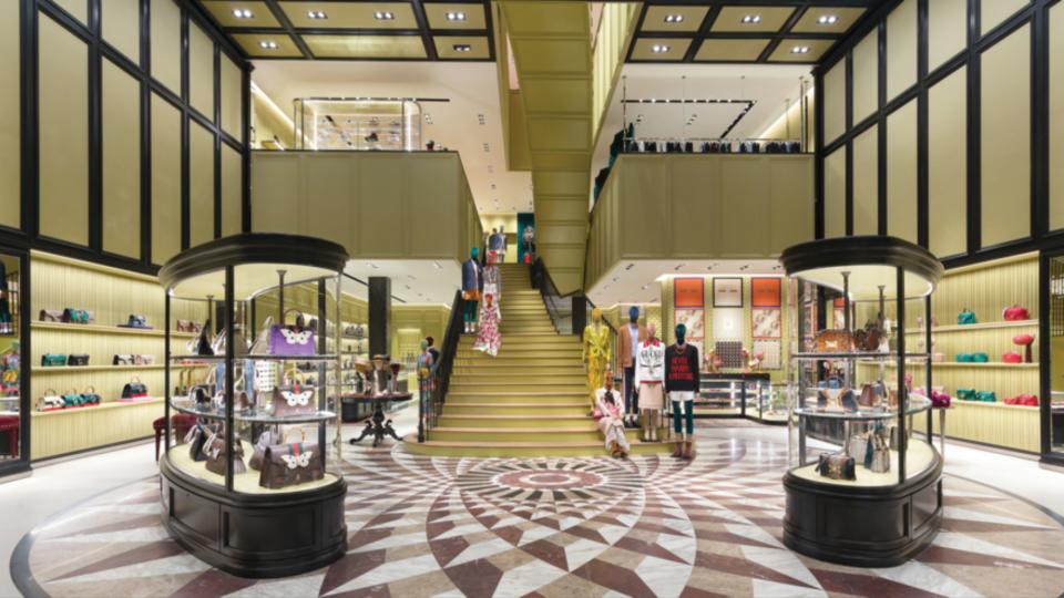 التوسعة الجديدة لركن الأزياء في دبي مول مكان رائع للتسوق