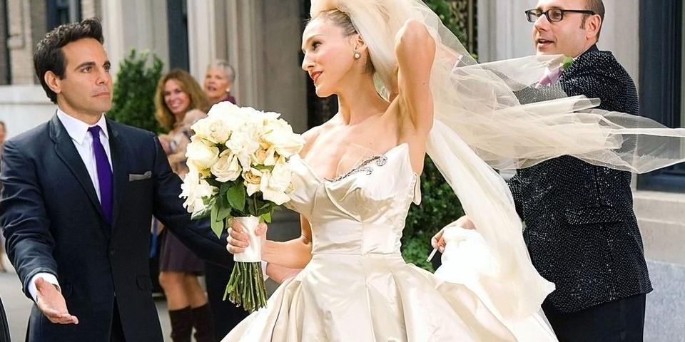سارة جيسيكا باركر تطلق مجموعة مميزة من فساتين الزفاف