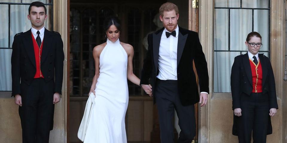 ميغان ماركل ترتدي فستاناً من ستيلا مكارتني لإطلالتها الثانية يوم الزفاف