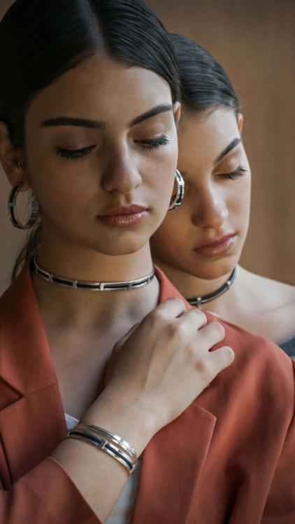 مصممة المجوهرات المصرية سلمى الأنصاري تطلق مجموعة جديدة