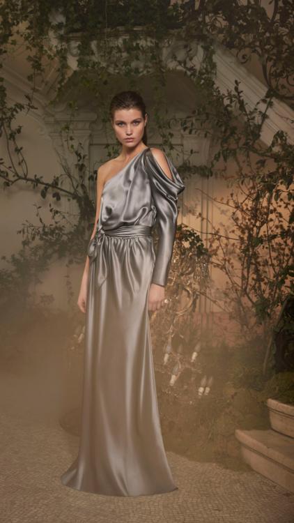 مجموعة Limited Edition من ألبيرتا فيريتي تقلب مقاييس الموضة