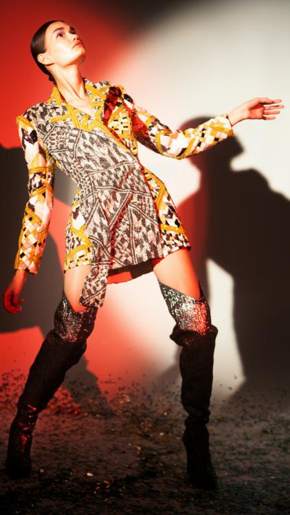 بالصور: اكتشفي مجموعة رامي قاضي للأزياء الراقية لخريف وشتاء 2018- 2019