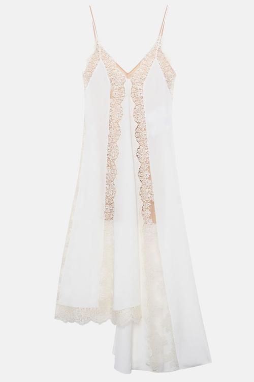 اختاري إطلالة حفل زفافك الثانية من هذه المجموعة الرائعة من الفساتين