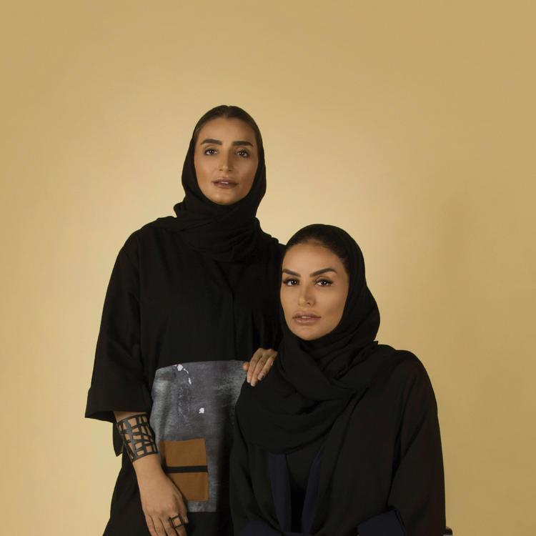 حي دبي للتصميم يحتفل بيوم المرأة الإماراتية بمعرض استثنائي