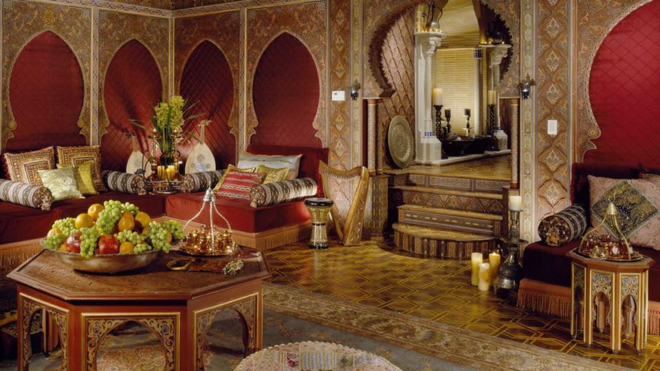 اكتشفي ديكورات غرف المعيشة من بيوت المشاهير