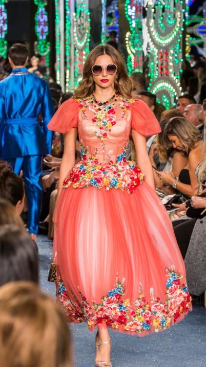 بالصور: شاهدي عرض أزياء Dolce and Gabbana