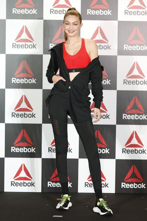 جيجي حديد تتعاون مع Reebok لإطلاق مجموعة خاصة من الألبسة الرياضية