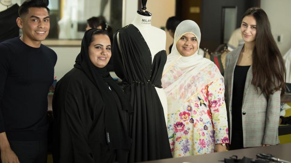 منحة تعليمية 100٪ للمرأة الإماراتية