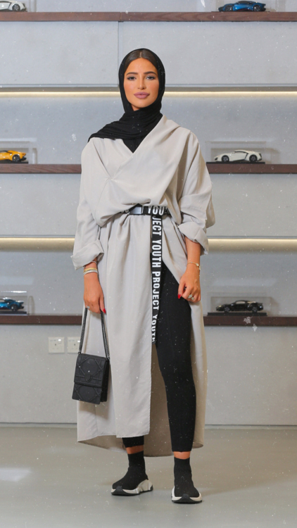 استوحي أجمل الإطلالات والأزياء المحتشمة من المؤثرة الأنيقة فاطمة حسام