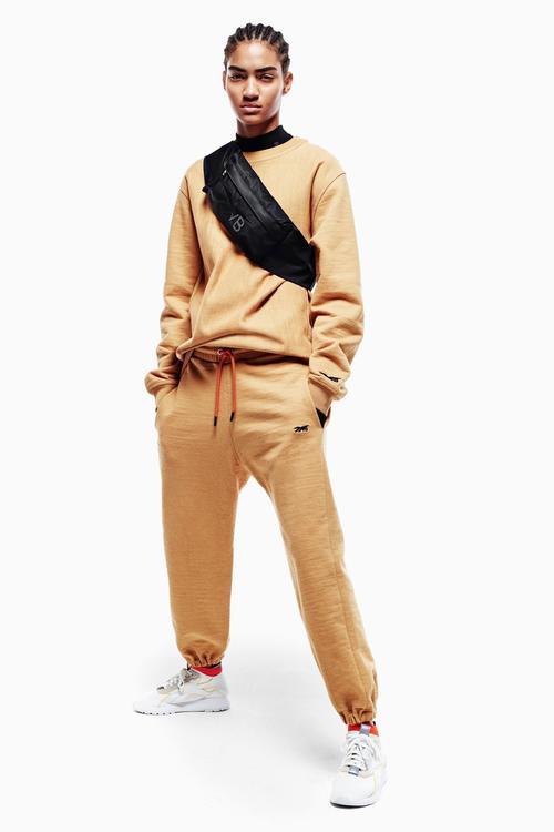 فيكتوريا بيكهام تكشف عن مجموعتها الأولى من الملابس الرياضية لصالح Reebok