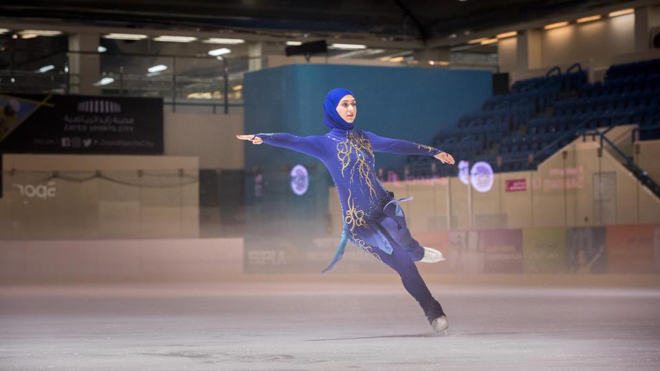 المتزلجة الإماراتية زهرة لاري تستعد لتمثيل الإمارات العربية المتحدة مجدداً على أمل التأهل للألعاب الأولمبية الشتوية