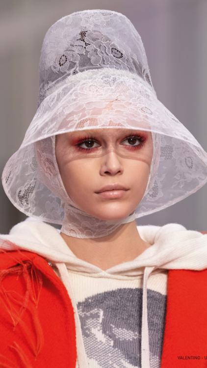 14 صيحة جمالية اخترناها لك من أسبوع الموضة الباريسي