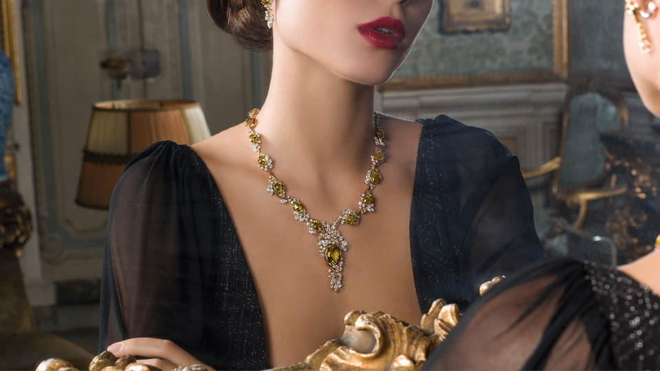 مصممة المجوهرات نادين العطار تطلق مجموعتها الجديدة