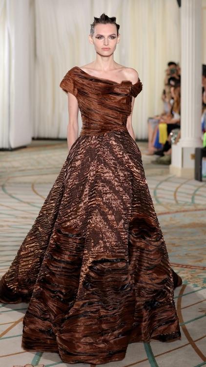 مجموعة طوني ورد للأزياء الراقية لموسم خريف شتاء 2020 مستوحاة من الفطر