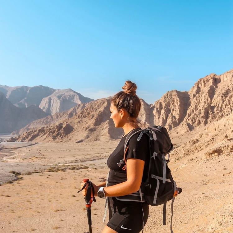 أول امرأة تسعى لتسلق أعلى 15 قمة جبلية في الشرق الأوسط خلال 30 يوم