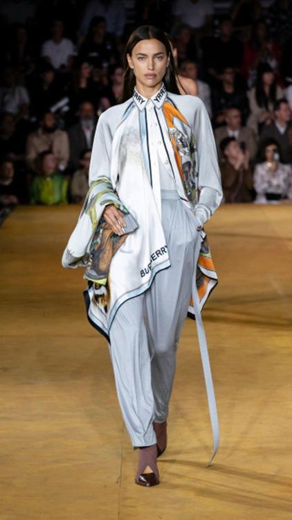 عرض أزياء بربري لربيع وصيف عام 2020