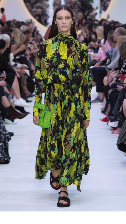 عرض أزياء فالنتينو لربيع وصيف 2020