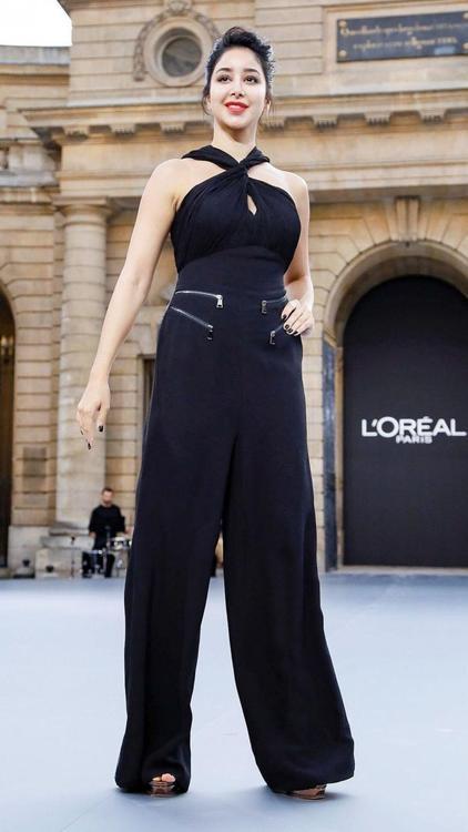 أسيل عمران ممثلة شركة لوريال الجديدة في أسبوع الموضة بباريس
