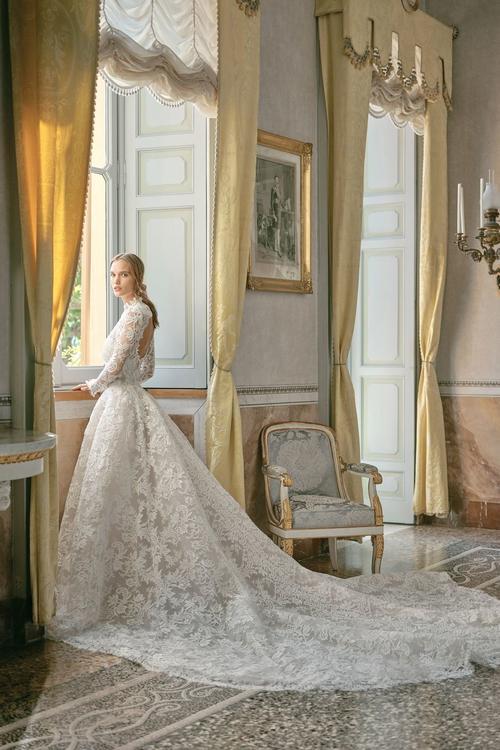 أحدث تصاميم فساتين الزفاف مباشرة من منصات عرض خريف 2020