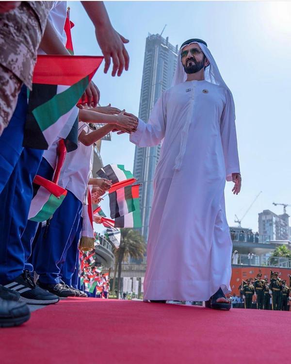 يوم العلم الاماراتي رايات ترفرف في حب الوطن