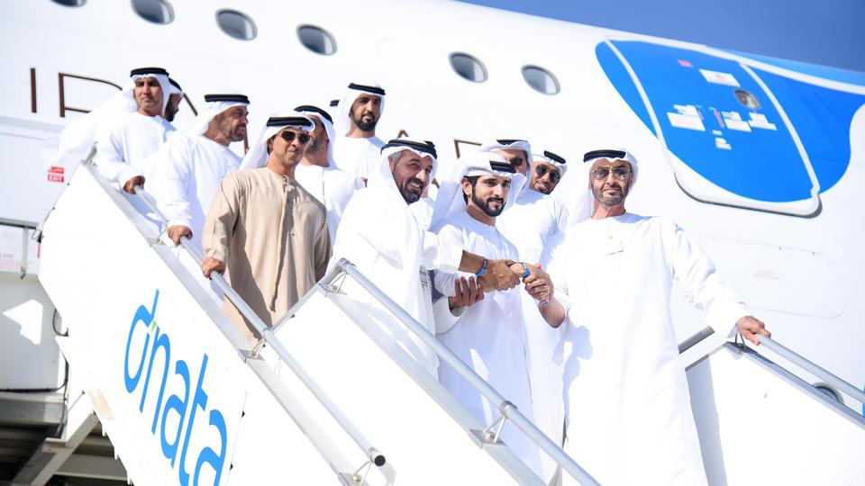 جولة ملكية تفقدية لطائرة الإمارات «الإيرباص A380» العملاقة