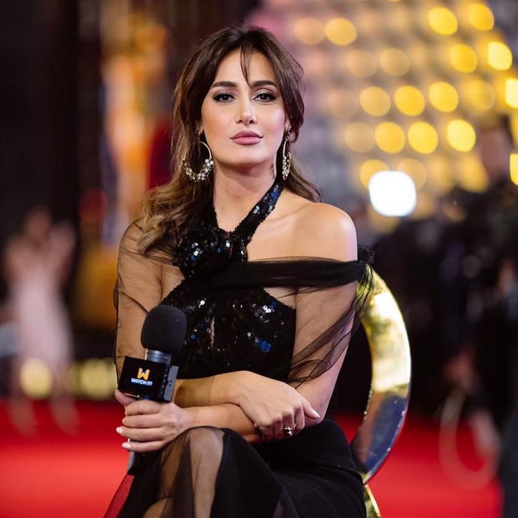 بعد خلع الحجاب، و14 عاماً من الغياب حلا شيحا تعود بعمل من بطولة تامر حسني..