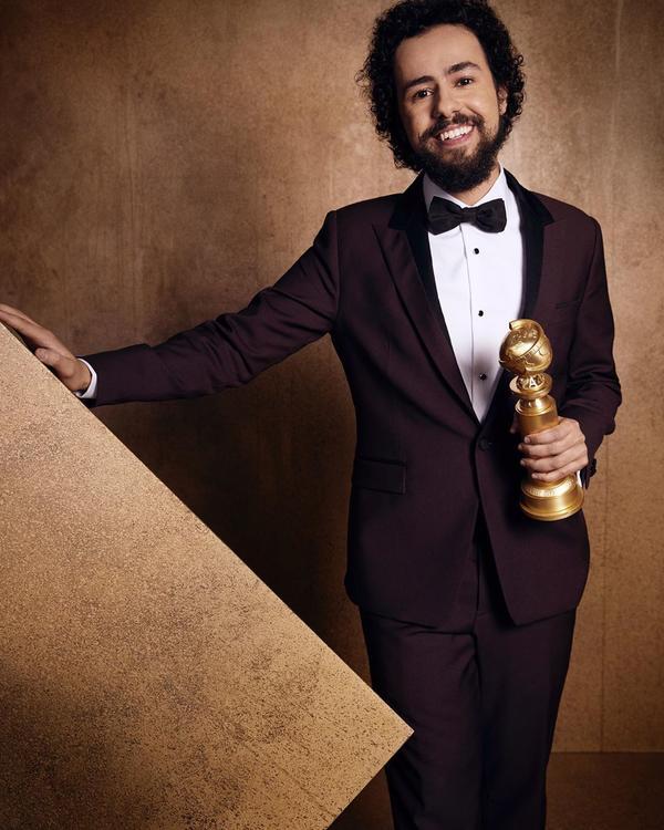 رامي يوسف يفوز بجائزة غولدن غلوب على دوره في المسلسل الكوميدي رامي