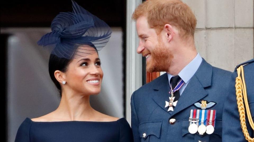 ميغان ماركل والأمير هاري يتنازلان عن مهامها في العائلة الملكية البريطانية