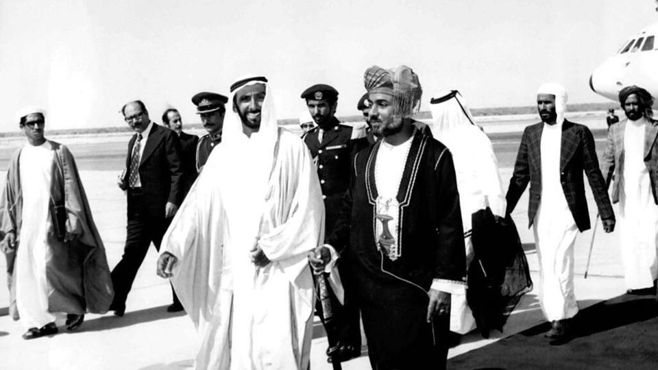 ألبوم صور: لقطات خالدة نستذكرها مع رحيل سلطان قابوس
