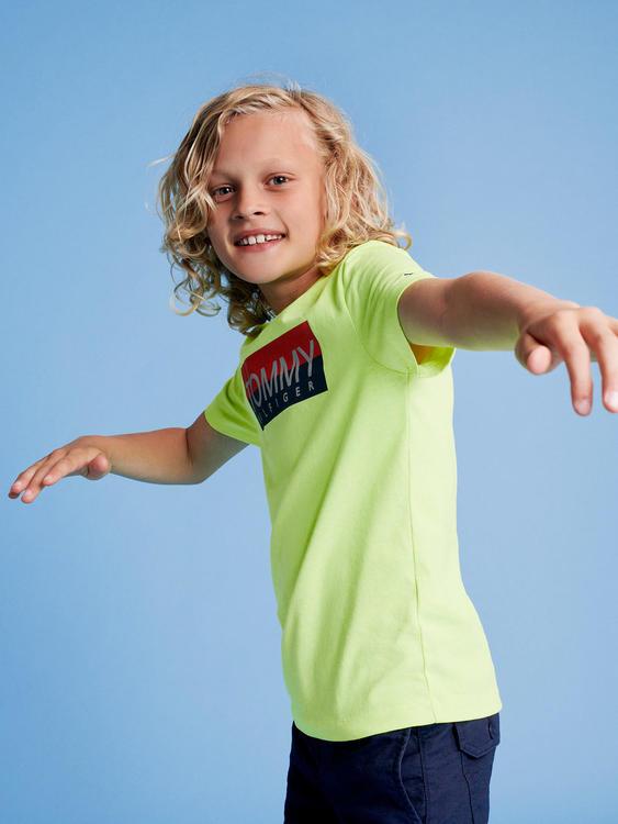 تومي هيلفيغر يطلق مجموعة مميزة للأطفال لربيع 2020